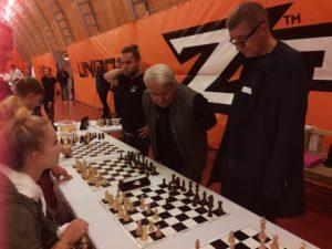 Sporťáček a šachy s premiérem